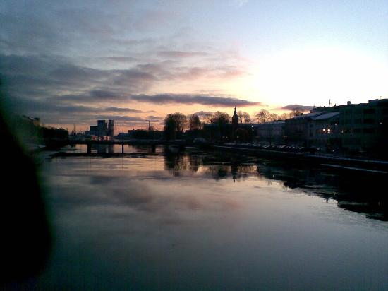Halmstad, Sweden: Fluss Nissan am Abend