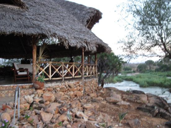 zona ristorante del Kiboko camp Tsavo est
