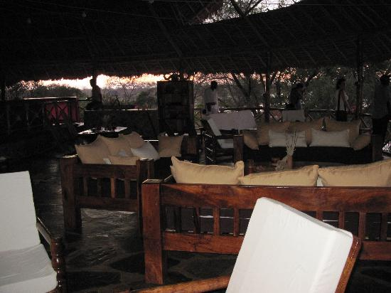 ristorante kiboko camp tsavo est kenya