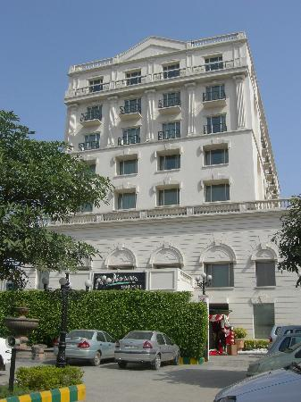 Radisson Hotel Jalandhar Look Like White House
