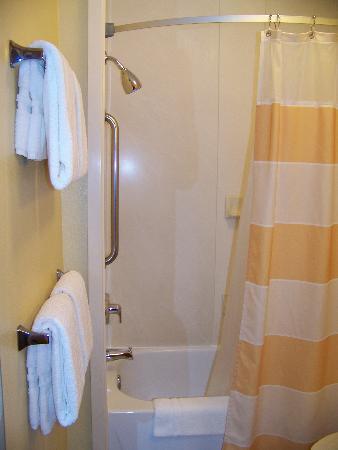 TownePlace Suites Fresno: salle de bain