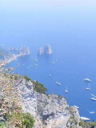 Hotel Santa Lucia: View from top of chairlift on the Isle of Capri
