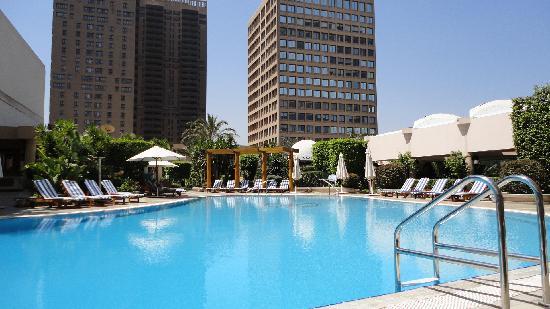 Conrad Cairo : Hotel swimming pool