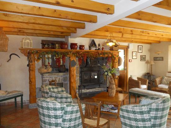 La Grange aux Marmottes: inside hotel
