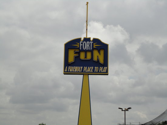 Fort Fun: sign