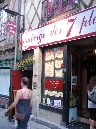 Auberge picture of l 39 auberge des 7 plats le mans for Auberge des 7 plats