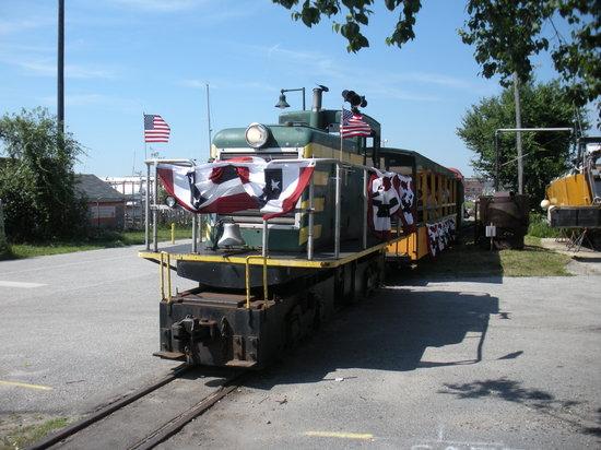 Maine Narrow Gauge Railroad Company and Museum: engine