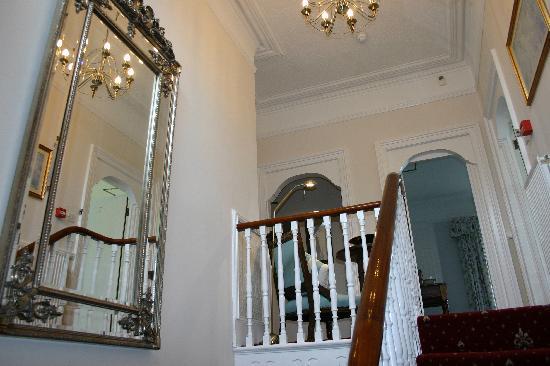 Trafalgar House: Stairway and upper landing