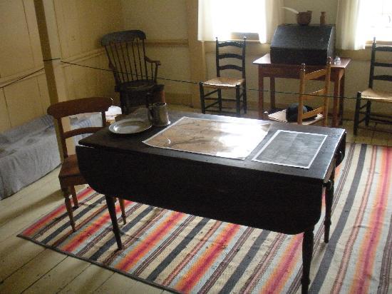 Quaker House: inside