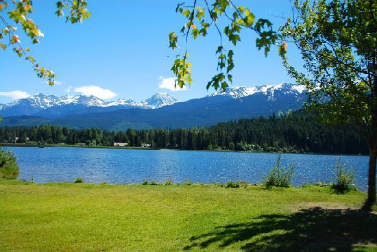 Nita Lake Lodge : View along biking trail and park