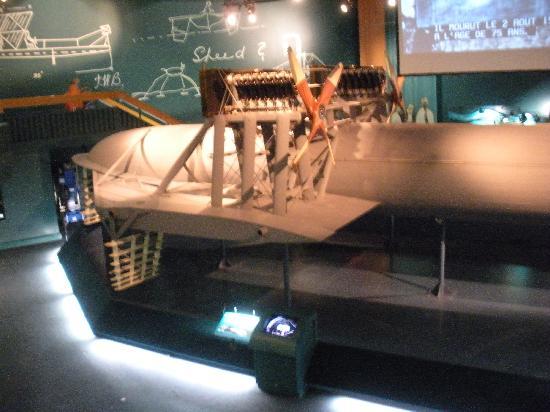 Alexander Graham Bell National Historic Site: inside
