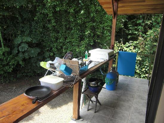 Surf Vista Villas: Outdoor kitchen