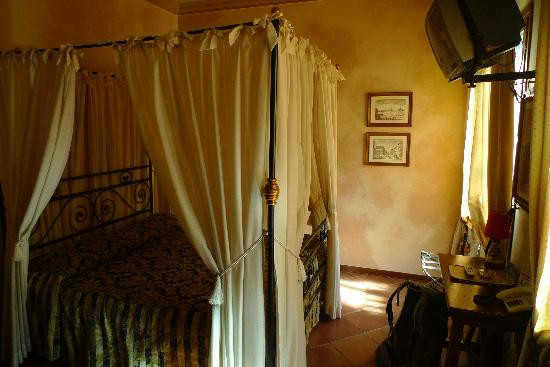 Hotel Mario's: Room