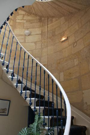 Aquitain Hotel : The stairs are quite steep and not suitable for heavy suitcases
