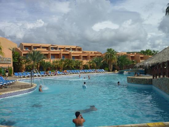 Costa Caribe Beach Hotel & Resort: Area de la Piscina