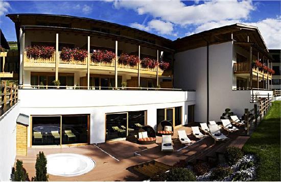 Hotel Monika: Solarium esterno e Jacuzzi