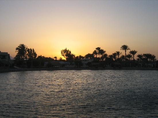 Dessole Aladdin Beach Resort: Lagoon between Aladdin and Jasmine