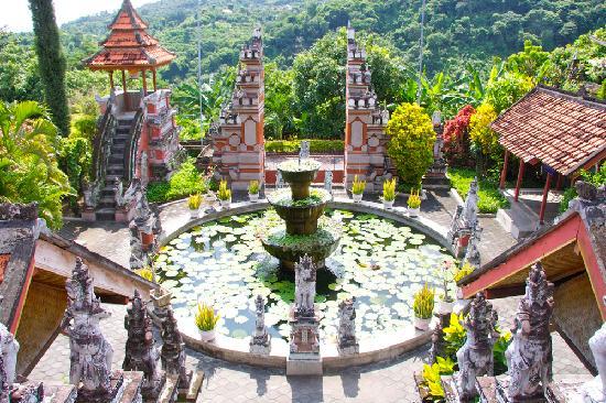 Kaliasem, Indonesia: Brahma Vihara Arama -Temple