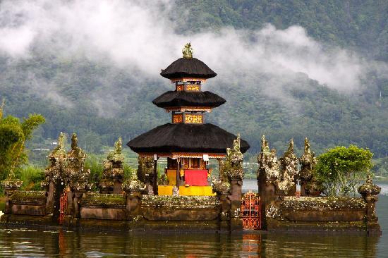 Kaliasem, อินโดนีเซีย: Pura Ulun Danu Bratan - Temple