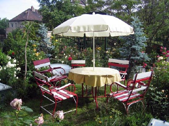 Gardonyi Guesthouse: Garden