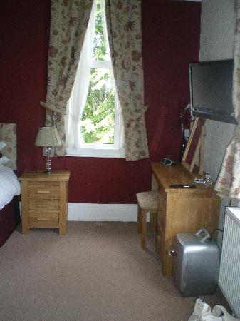 The Elmdene: superior room