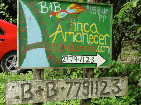 Finca Amanecer: Sign to turn to Finca Amenecar road
