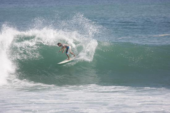 FBI Surf School: I love to surf