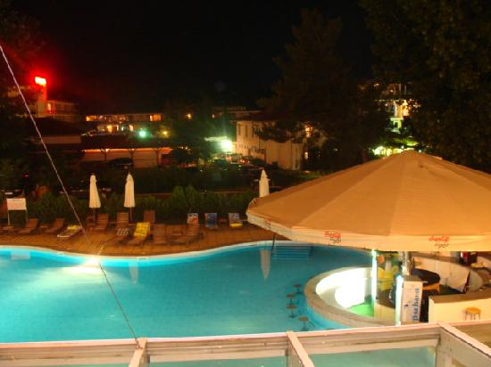 Blagoevgrad, Bulgaria: from room over pool you see closed