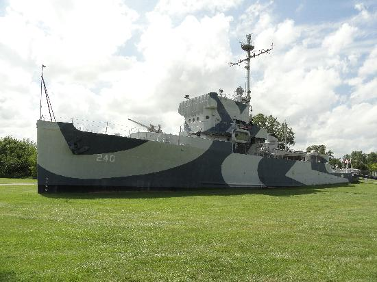 Omaha, NE: USS Hazard AM 240