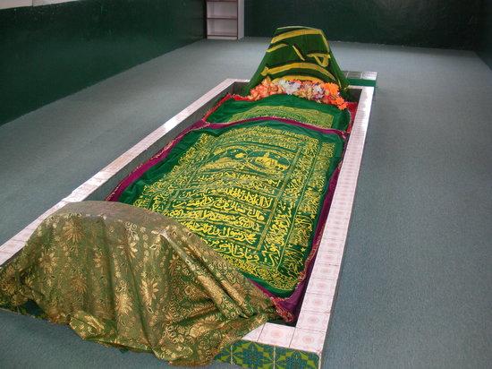 Гробница Наби Айюб (Гробница пророка Иова)