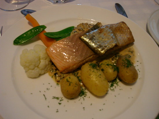 Suomenlinnan Panimo : The perfectly-cooked salmon