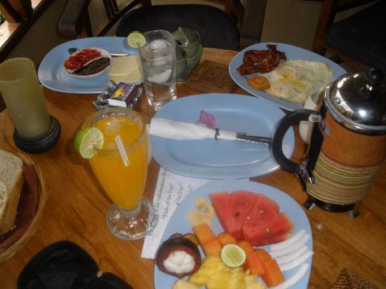 Kaliasem, Indonesia: herlig morgenmad på min teresse