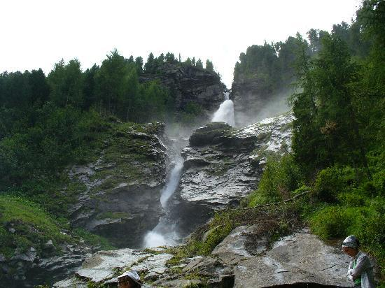 Natur Idyll Hochgall: una delle innumerevoli cascate....