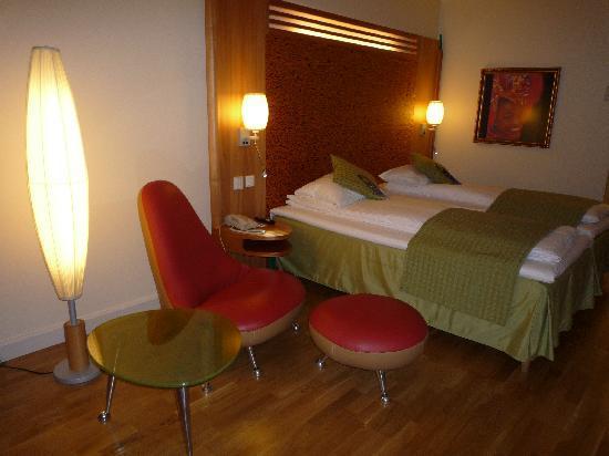 Gardermoen, Norwegia: La chambre - 2