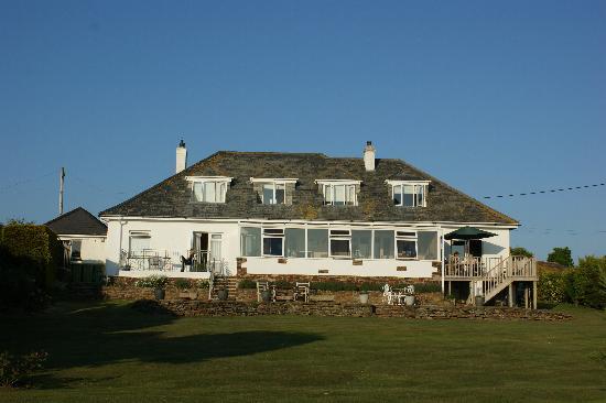 Westaway Guesthouse: Westaway from the garden