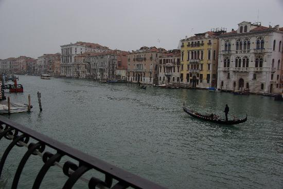 Hotel Palazzo Barbarigo Sul Canal Grande: little balkony at the bar - overlooking canale grande