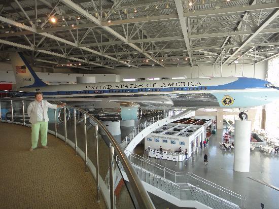 ترافيلودج تشاتسوورث: Air Force One, Reagan Library