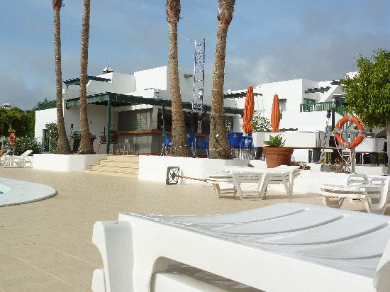 Club Valena: pool area/bar