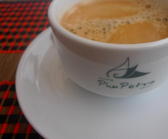 Aonang Phu Petra Resort, Krabi Thailand: freshly brewed coffee of our breakfast - tasted okay, could be better