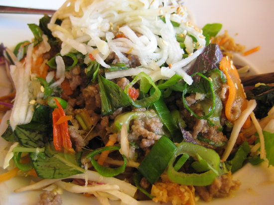 Monsieur Vuong: glass noodles with beef salad