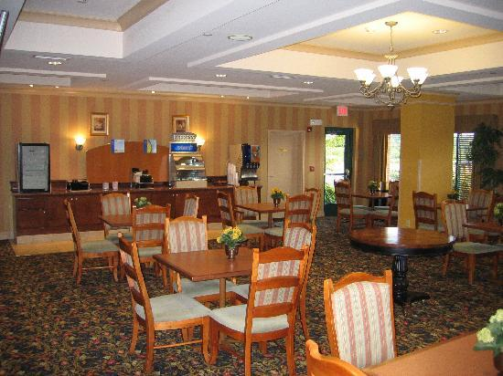 Holiday Inn Express & Suites Florence I-95 & I-20 Civic Ctr: Breakfast area
