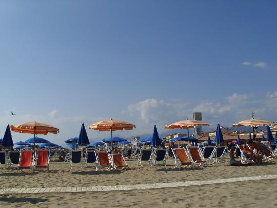 Der Strand von Viareggio