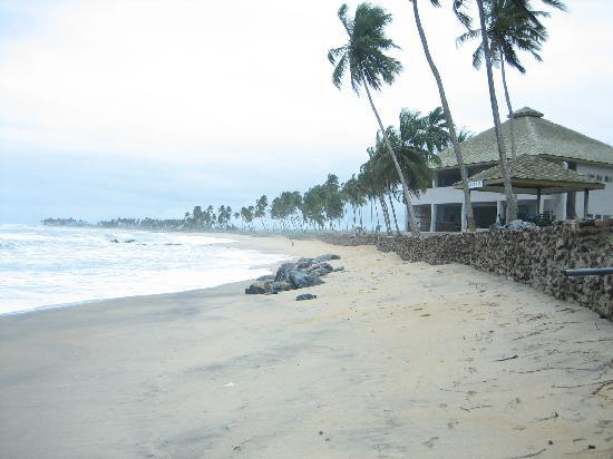 Elmina Bay Resort: The beach