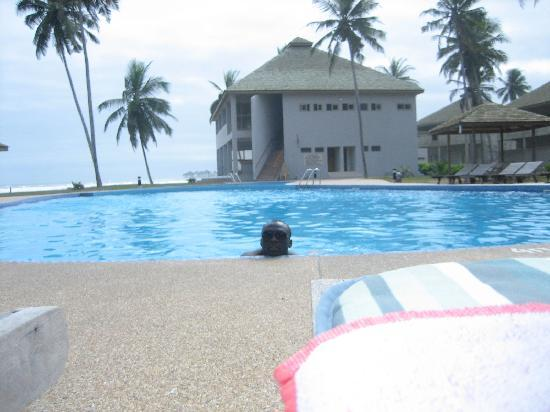 Elmina Bay Resort: By the pool