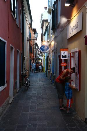 Καόρλε, Ιταλία: narrow streets