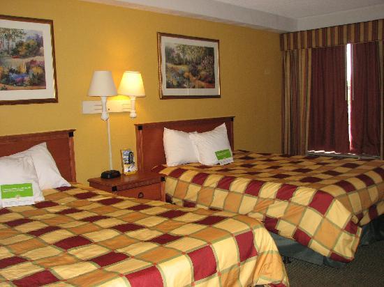 La Quinta Inn Orlando International Drive North: room