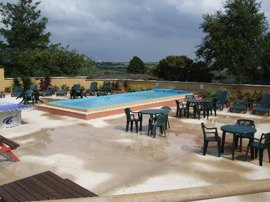 Outdoor pool at seaview - Hotels in looe cornwall with swimming pool ...