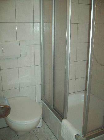 Elmpt, Германия: Bathroom 2
