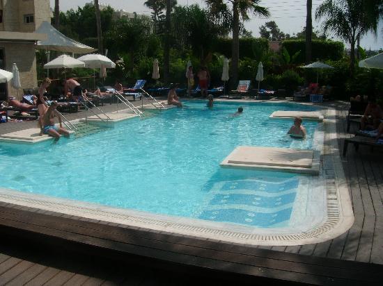 Atlantica Gardens Hotel: adult pool