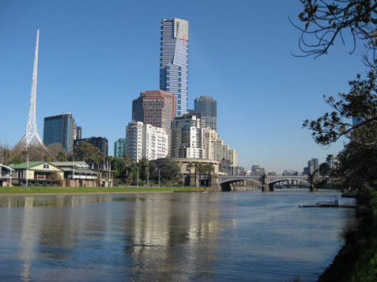 Radisson on Flagstaff Gardens: View down the Yarra River